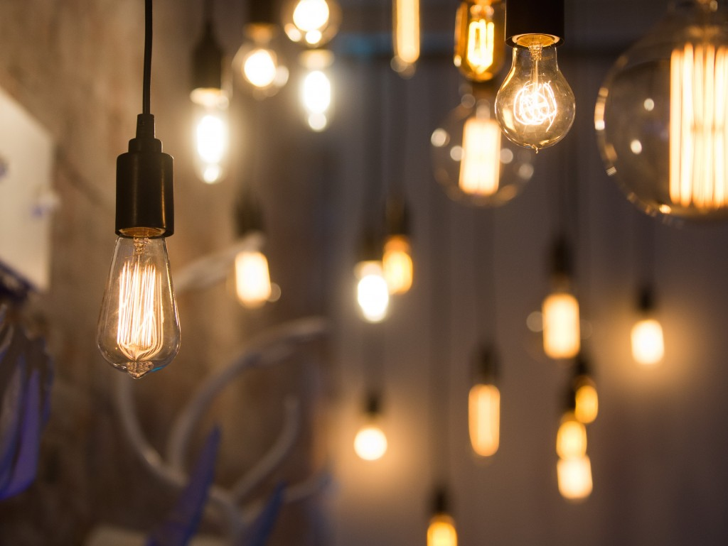 3 lighting looks that will knock your socks off elite entertainment chandeliers arubaitofo Image collections