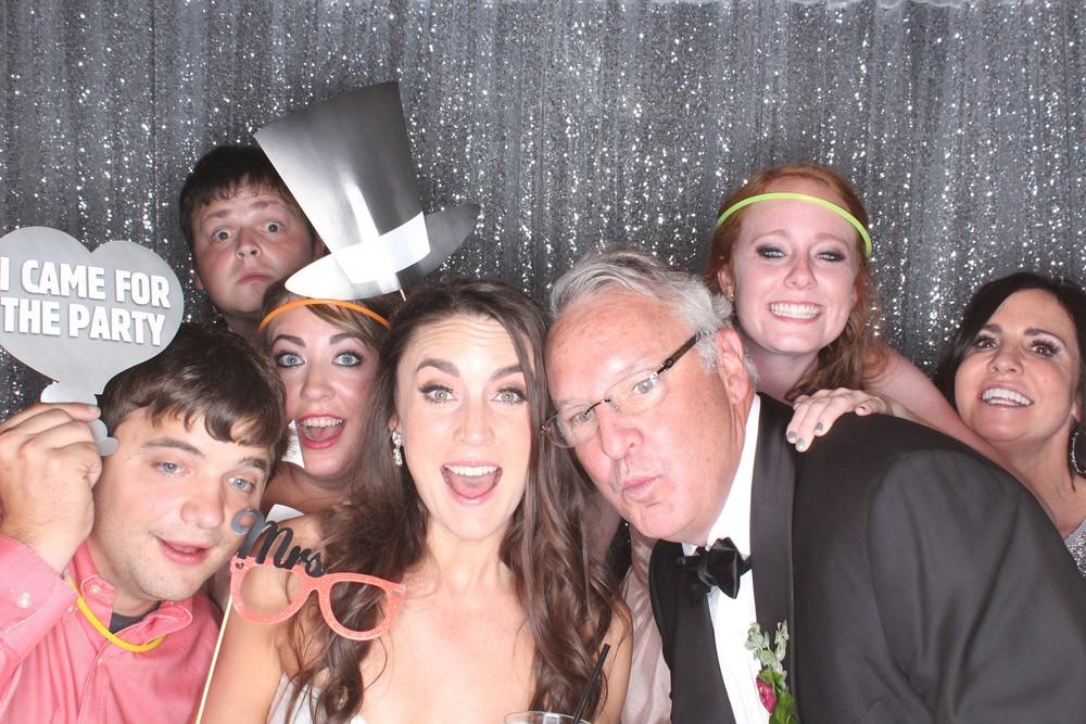 Kelcy Wedding_photobooth_group